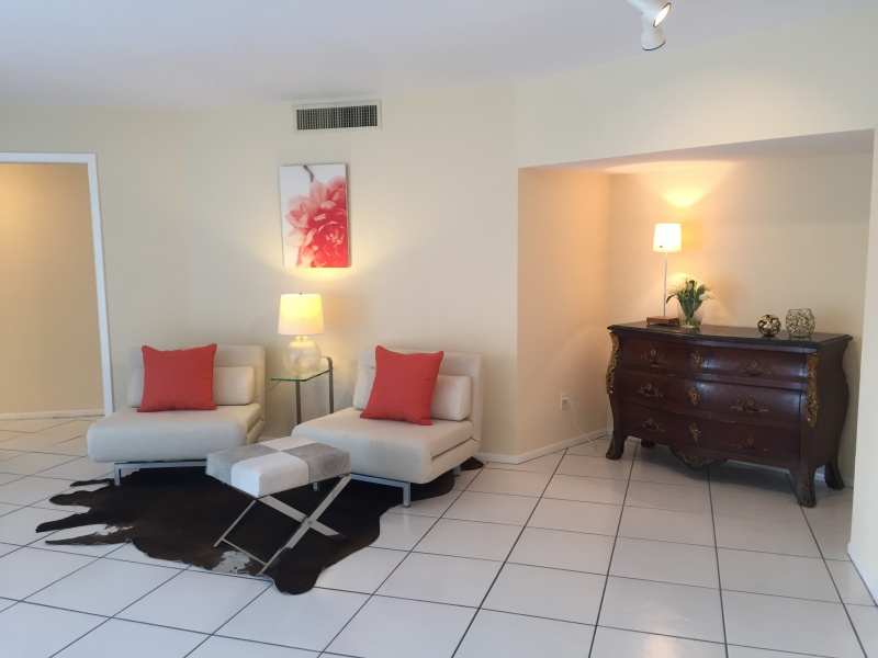 435 S Gulfstream Ave unit 307 – Under contract