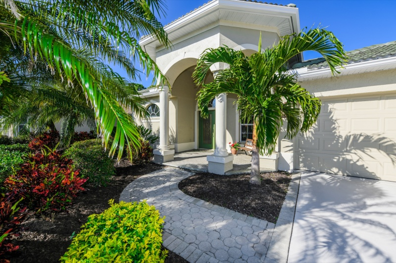 668 Clear Creek Drive – For sale