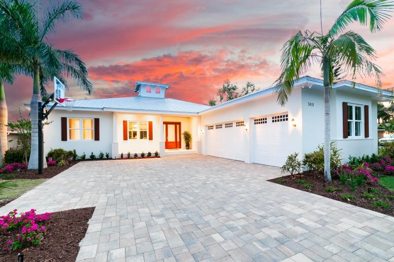 7418 Cove Terrace – Sold